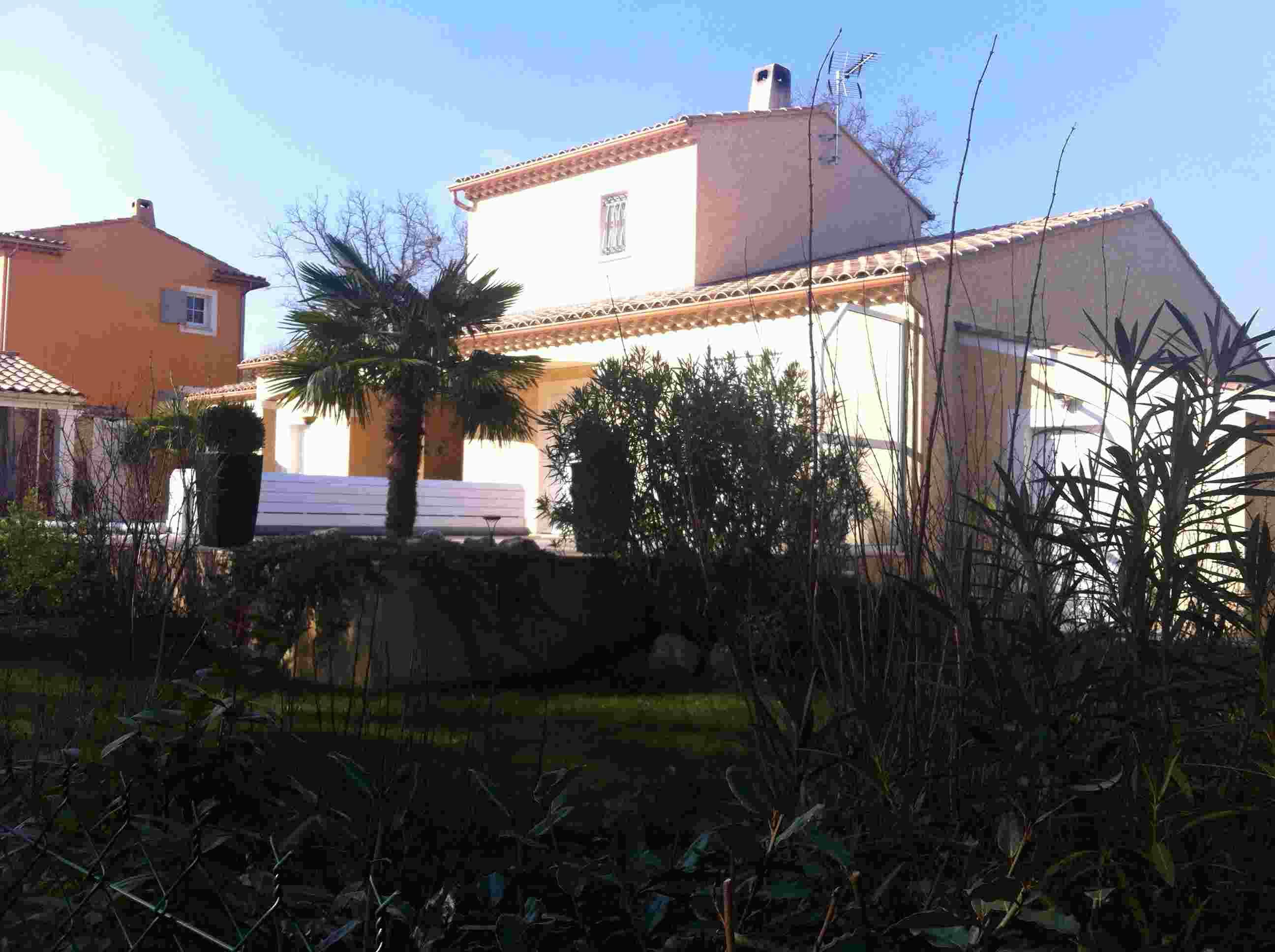 villa étage balcon 120 m² Grigan