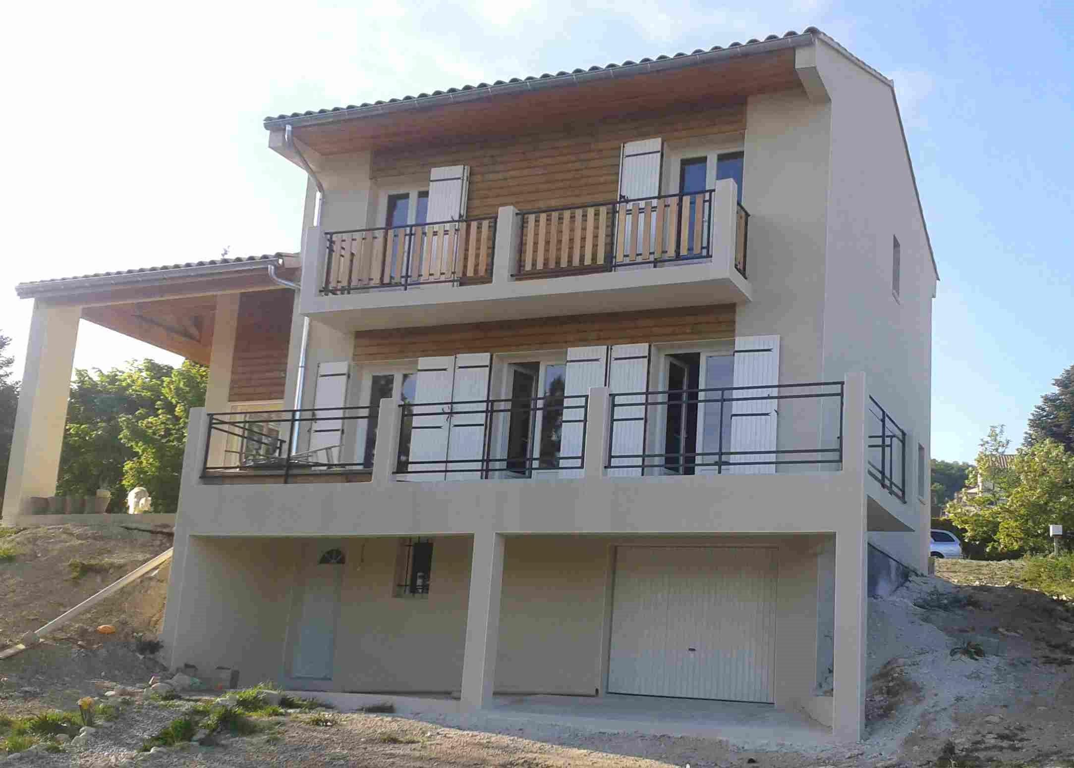 villa 150 m² R+1 sur sous-sol 80 m²